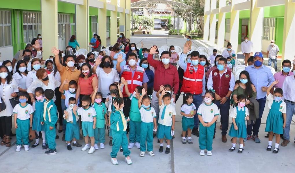 """Piura: Autoridad para la Reconstrucción con Cambios  inaugura centro educativo N˚ 018 """"Domingo Savio"""""""